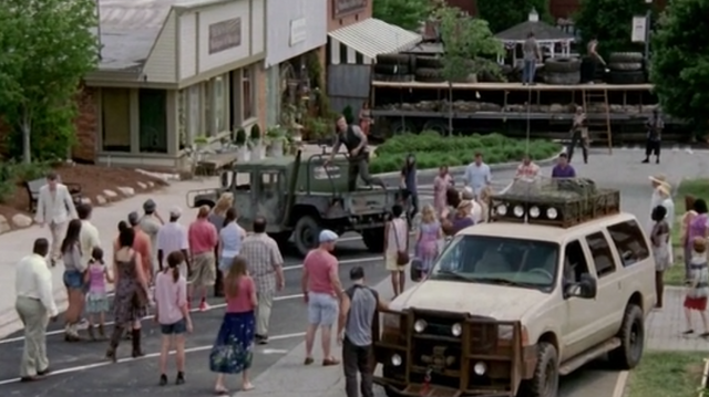 File:Woodbury extras.png