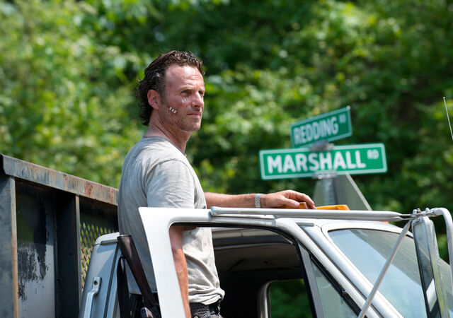 File:The-walking-dead-episode-601-sneak-rick-lincoln-935.jpg