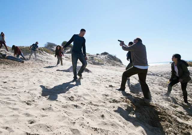 File:FTWD 203 Daniel Shooting Walkers.png