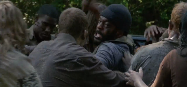 File:Tyreese VS Zombie.png