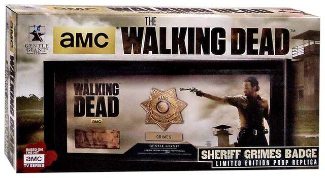 File:Sheriff Grimes Badge Prop Replica Box.jpg
