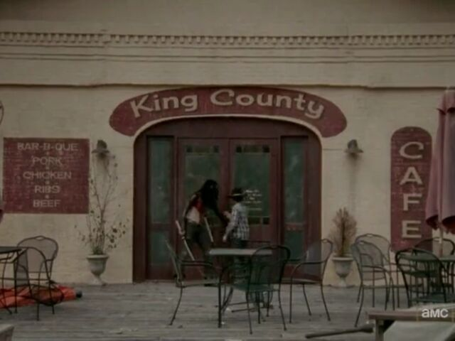 File:King County Cafe Michonne and Carl.jpg