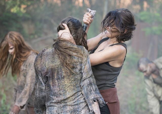 File:AMC NS Maggie Kills Walker.png