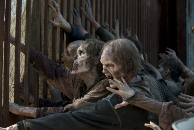 File:AMC 605 Walkers Pound Gate.png