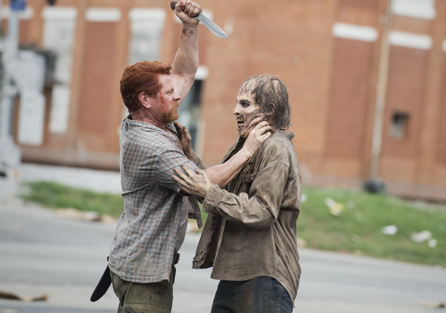 File:AMC 505 Abraham Kills Walker.png