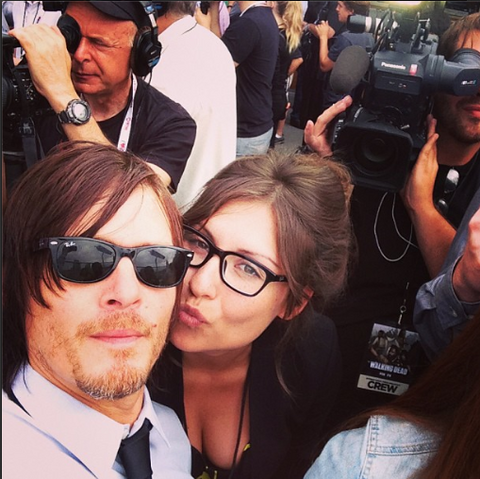 File:Reedus and Reporter.png