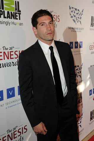 File:Jon+Bernthal+26th+Annual+Genesis+Awards+iNSjuWMOd28l.jpg