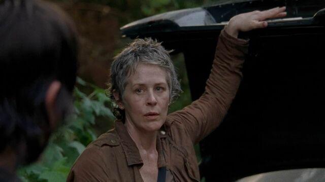 File:Carol speaks to daryl.jpg
