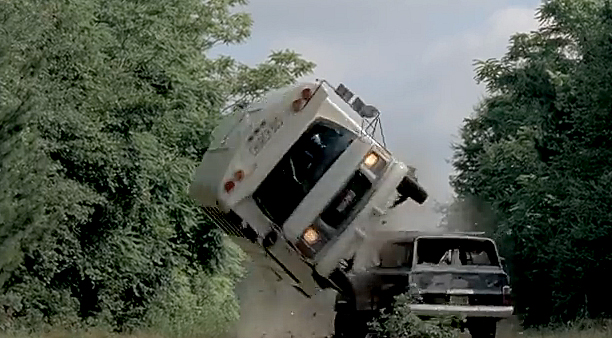 File:The-Walking-Dead-season-5-episode-5-Bus-Flip.jpg