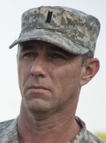 File:Season one lieutenant moyers.png