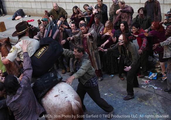 File:Rick Swarmed In Atlanta By Many Walkers.jpg