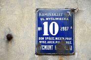 Przedwojenna tablica adresowa ul. Myśliwiecka 10