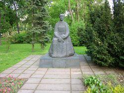 Pomnik Marii Konopnickiej.JPG