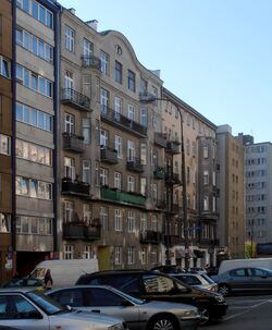 Złota (budynek nr 65a).JPG
