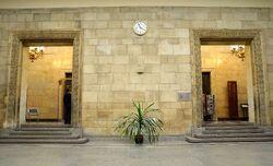 Replika Zegara Milenijnego w holu głównym PKiN.JPG
