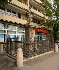 Senatorska (Pomnik św. Jana Nepomucena).JPG