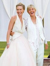 Celebrity-wedding-dress--ellen 305 407 100