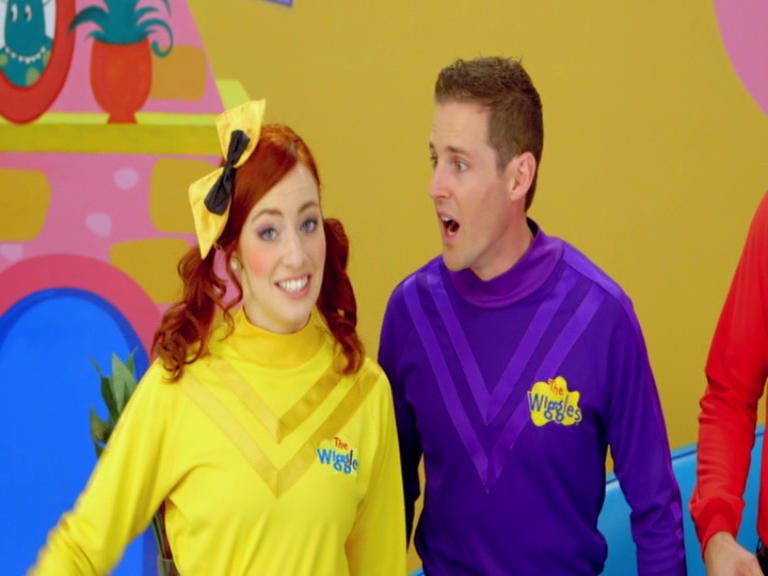 """wiggles emma and lachy dating An enchanting scottish affair – real wedding of  the pair began dating shortly after they joined the wiggles line-up (emma is  """"lachy went to sword fighting."""