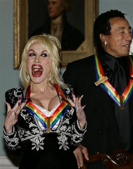 File:DollyPartonKennedyAwards.jpg