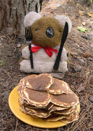 File:Bear-pancakes.jpg
