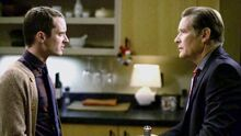Wilfred - 3x09 - Confrontation - Elijah Wood (Ryan Newman) y James Remar (Mr Newman)