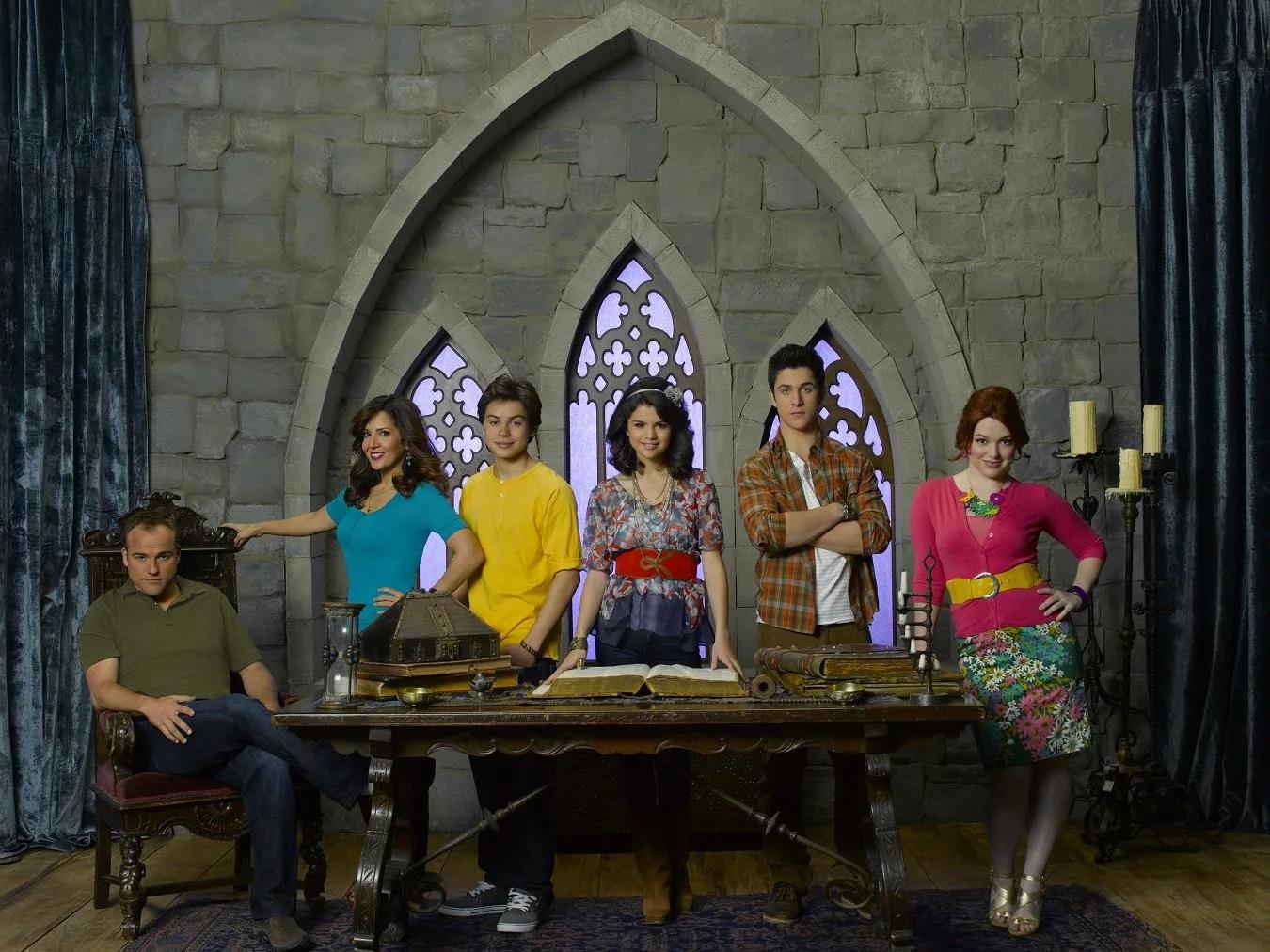 «Смотреть Волшебники Из Вэйверли Плэйс 3 Сезон Онлайн» — 2006