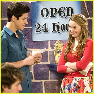 File:David-henrie-bridgit-love-first-bite.jpg