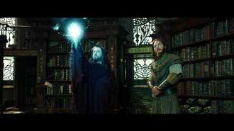 Warcraft The Beginning - Medivh finds Khadgar (Universal Pictures)