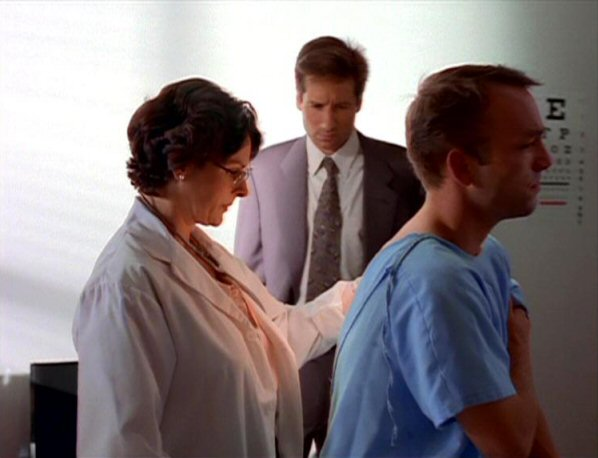 File:Zenzola and Fox Mulder with sanitation worker.jpg