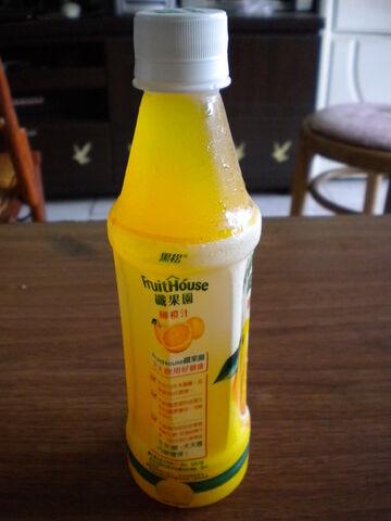 檔案:黑松 纖果園 柳橙汁2.JPG