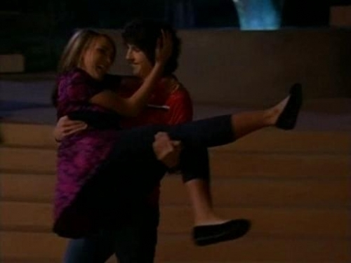 File:Dance-Contest-zoey-101-204714 500 375.jpg