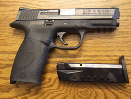 S&W M&P .40 right side