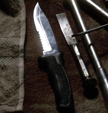 File:9x06 knife.jpg
