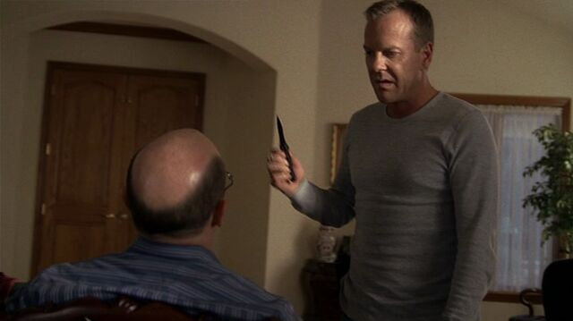 File:6x06 Jack with knife.jpg