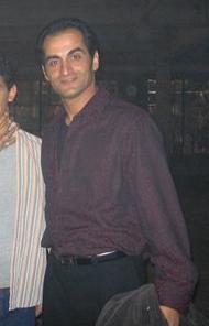 File:24 S4 BTS- Navid Negahban.jpg