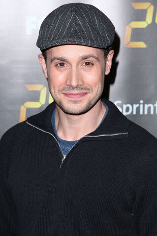 File:24- Freddy Prinze Jr. at related party.jpg