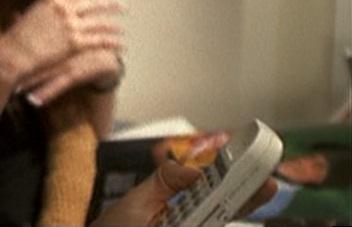 File:1x01 plane phone.jpg
