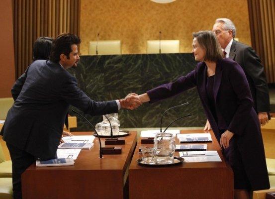 File:8x01 Peace Talks.jpg