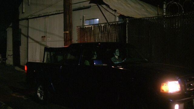 File:8x05 Laitanan garage.jpg