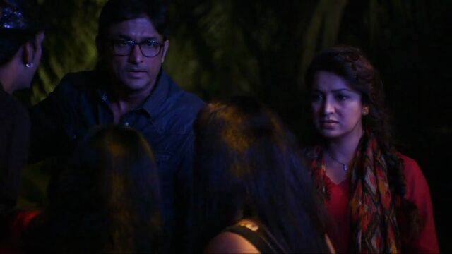 File:In1x02 Abhay and Trisha.jpg