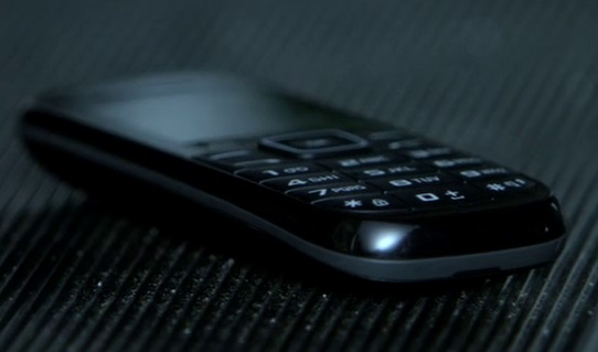 File:9x02 Chloe phone 2.jpg