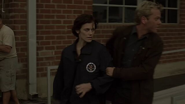 File:1x07 Nina jacket.jpg