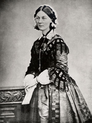 220px-Florence Nightingale CDV by H Lenthall