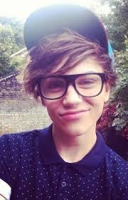 File:Look it so cute he looks like Ashton.jpg