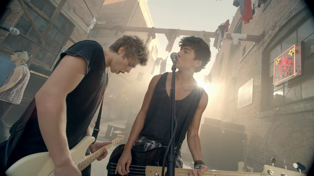 File:5 Seconds of Summer - She Looks So Perfect - 5 Seconds of Summer Wiki (98).png