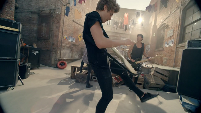 File:5 Seconds of Summer - She Looks So Perfect - 5 Seconds of Summer Wiki (82).png
