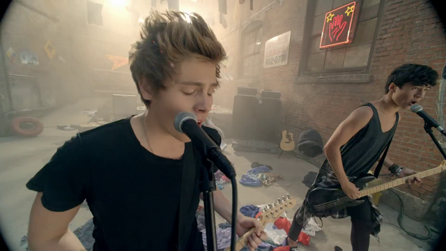 File:5 Seconds of Summer - She Looks So Perfect - 5 Seconds of Summer Wiki (122).png