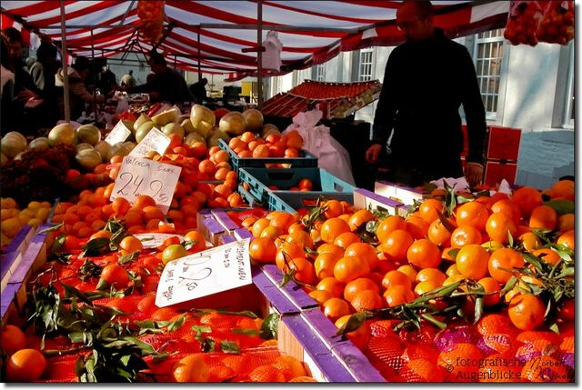 Datei:Wochenmarkt-in-vaals-niederlande-1546.jpg