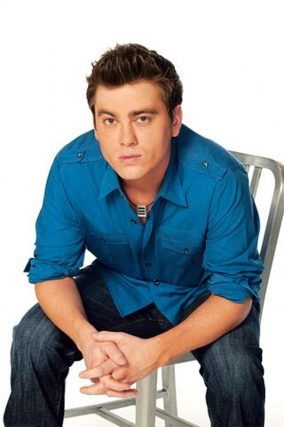 File:Cole Thornhart Full Cast Photo.jpg