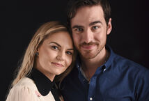 Once-upon-a-time-emma-hook-wedding